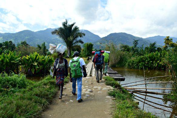 El camino está muy transitado por los malgaches